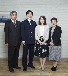 家族写真撮影はスタジオダッシュ!            札幌市中央区南3西6